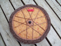 Bicycle wheel cookie cake